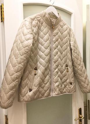 Легка куртка утеплена бренду fenix trading spain
