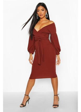 Boohoo платье коричневое шоколадное с поясом миди по фигуре карандаш футляр новое
