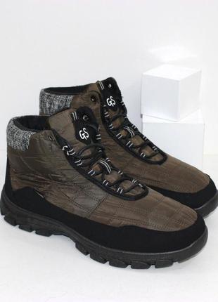 Мужские ботинки-дутики на шнурках в цвете хаки.