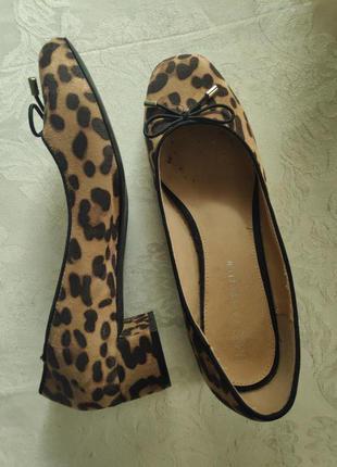 Тканевые туфли лодочки на низком каблуке в леопардовый принт, 7/40р-р.