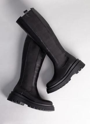 Сапоги женские кожаные черные с резинкой по бокам