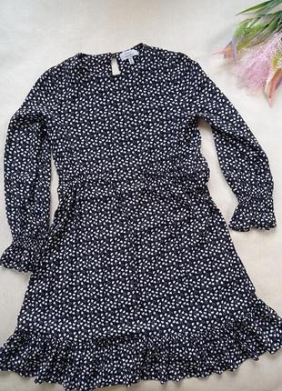 Платье в принт сердечки