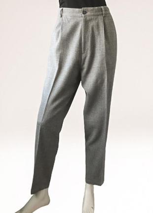 Зауженные шерстяные брюки с высокой посадкой бренда cos