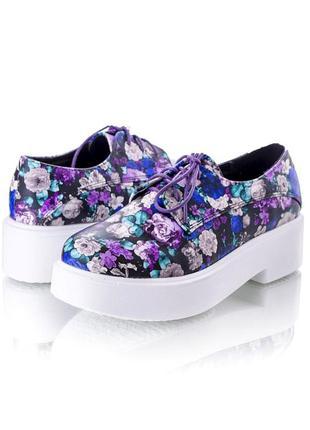 Женские туфли цветочный принт на шнуровке