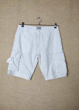 Льняные шорты бермуды с карманами