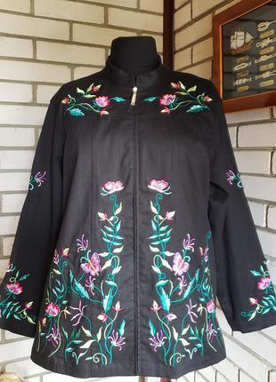 Куртка, пиджак с вышивкой 22-24 р-ра.