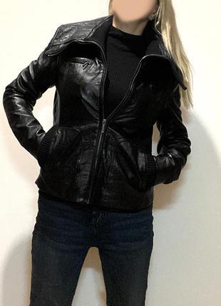 Черная кожаная куртка натуральная кожа eur 40-42