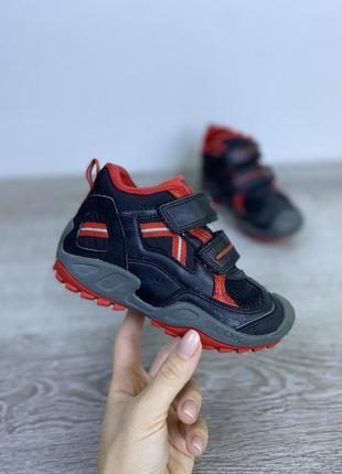 Мягкие и гибкие ботиночки geox