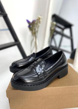 Черные туфли лоферы кожа наплак