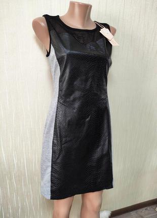 Женское деловое классическое платье футляр с кожаной вставкой