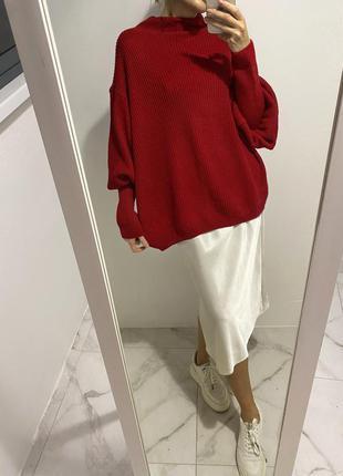 Красный свитер с горлом и объемными рукавами англия, джемпер на пышные формы