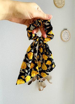 Резинка-платок яркая в цветы тренд лета 2021 / большая распродажа!