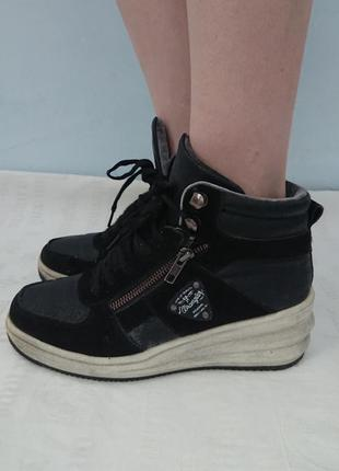 Крутые сникерсы wrangler (оригинал), теплые ботинки на танкетке, замша