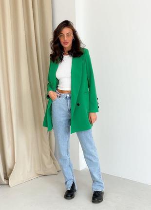 Женский пиджак удлиненный длинный на подкладке на пуговицах зелёный хаки трава классический деловой брючный
