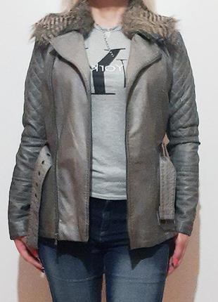 Косуха, серая кожаная куртка eur 36-38 женская, съемный меховый воротник