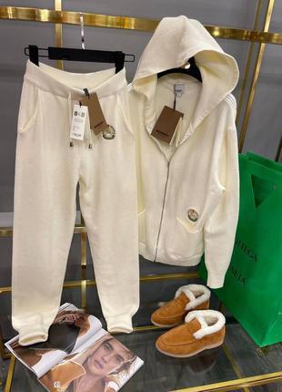 Кашемировый молочный костюм burberry