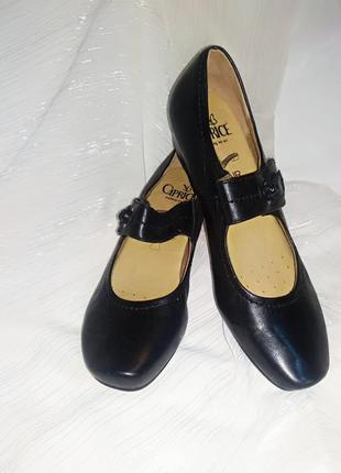 Кожаные женские туфли чёрные германия