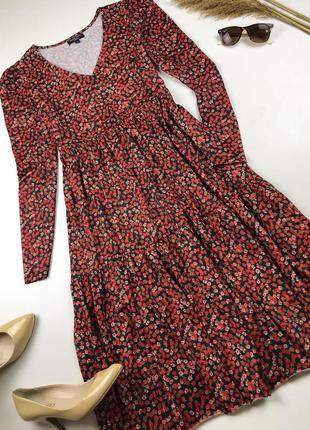 Стильна сукня міді в дрібний квітковий принт