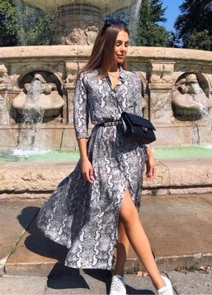 Максі сукня-сорочка в зміїний принт