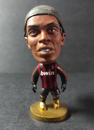 Статуэтка футболиста роналдиньо, подарок футбольному фанату