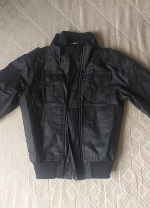 Продам курточку 116-122