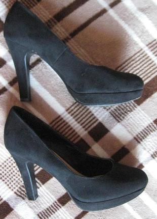 Туфли замшевые на высоком каблуке и платформе
