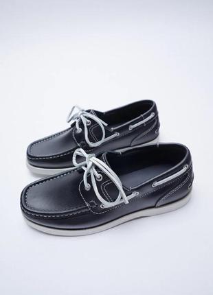 Кожаные темно-синие топсайдеры туфли на плоской подошве zara - 40р, 26см