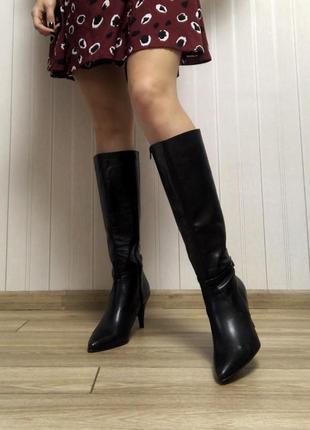 Сапоги ботфорты чёрного цвета натуральная кожа на каблуке с острым носком