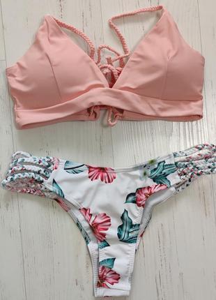Купальник розовый с верёвками на спине