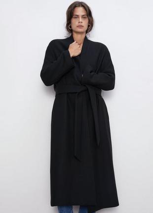Шерстяное пальто на запах zara , m
