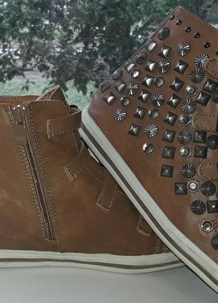 Крутые  трендовые  ботинки, екокожа.