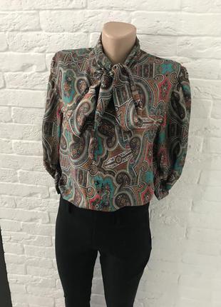 Стильная блуза с бантом