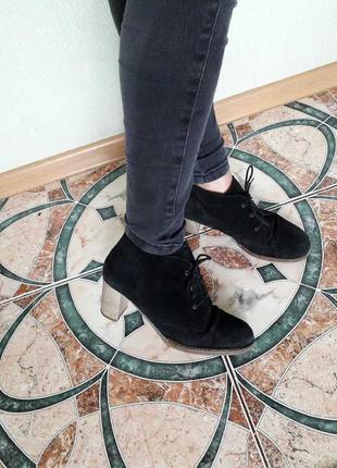 Натуральная замша черные ботинки ботильоны на каблуке