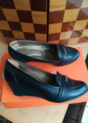 Туфлі 40,40.5 рр. на повнішу ногу