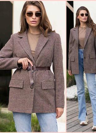 Стильный пиджак на подкладке *40 % шерсть* отличное качество