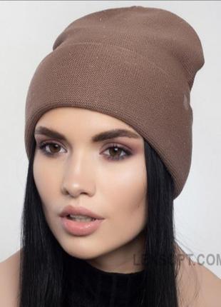 Красива жіноча шапка на зиму з кашеміром