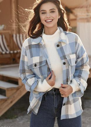 Тепла oversize-сорочка з накладними кишенями