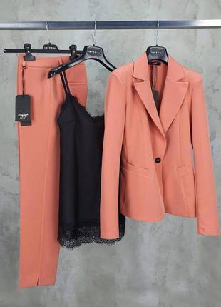 Костюм тройка брюки блузка пиджак модный стильный
