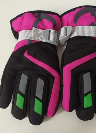 Круті лижні рукавички для дівчинки