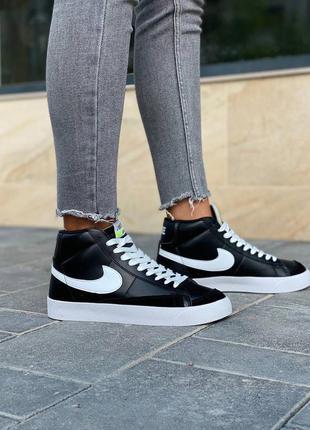 Стильные женские кроссовки демисезонные высокие nike blazer чёрные кожаные найк блейзер
