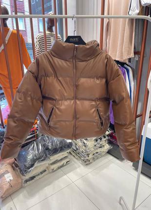 Стильная кожаная куртка на силиконе