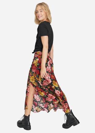 Асимеричная юбка миди в цветочный принт