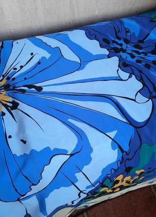 Шикарный шёлковый платок известного бренда
