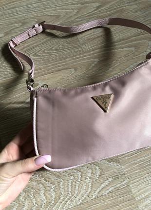 Guess оригинальная сумка багет гес гэсс сумочка розовая