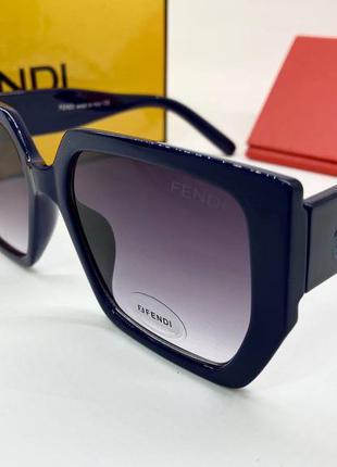 Женские солнцезащитные очки линзы с градиентом