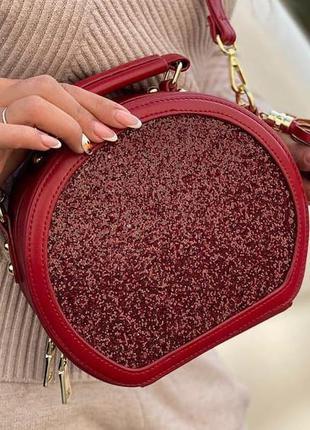 Яскрава жіноча сумочка