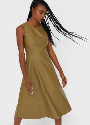 Платье хаки еко кожа stradivarius
