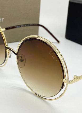 Женские солнцезащитные очки круглые с коричневыми линзами градиент в тонкой оправе металл