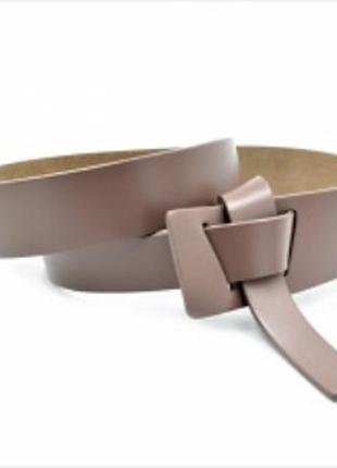 Кожаный ремень узелок