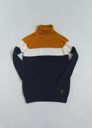 Клевенький тоненький свитерок фирмы river island на 6-7 лет(по бирке на 5-6)